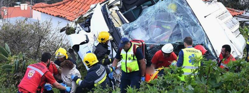 Busunglück auf Madeira - Foto: Rui Silva/Aspress/Global Imagens/AP