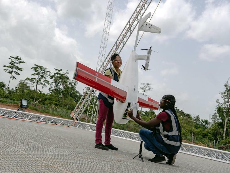 Medikamententransport mit Drohnen - Foto: Lebensretter aus der Luft