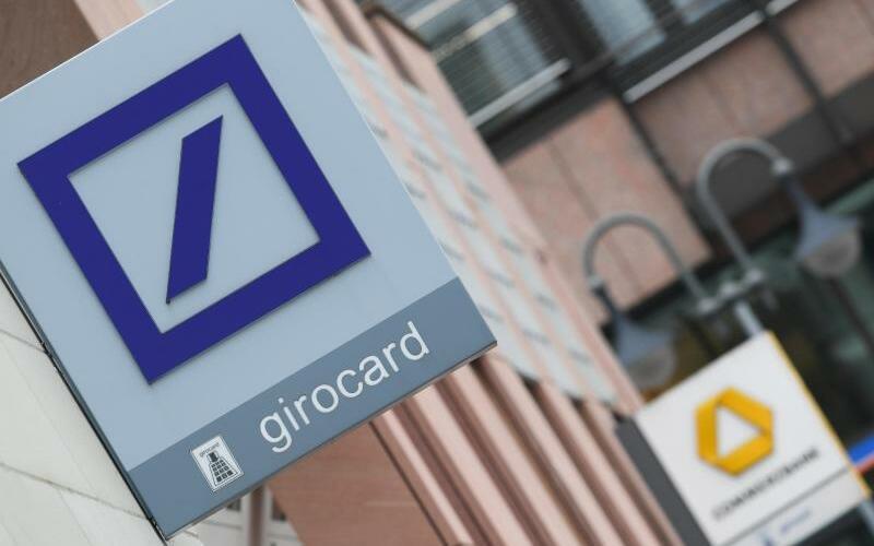 Das Ringen um Deutschlands neue Großbank - Foto: Arne Dedert/