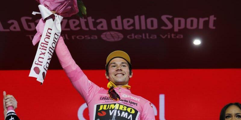 Starker Auftakt - Foto: Hat sich bei der ersten Giro-Etappe das Rosa Trikot geholt: Der Slowene Primoz Roglic. Foto:Yuzuru Sunada/BELGA