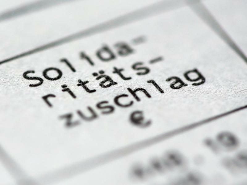 Solidaritätszuschlag - Foto: Roland Weihrauch