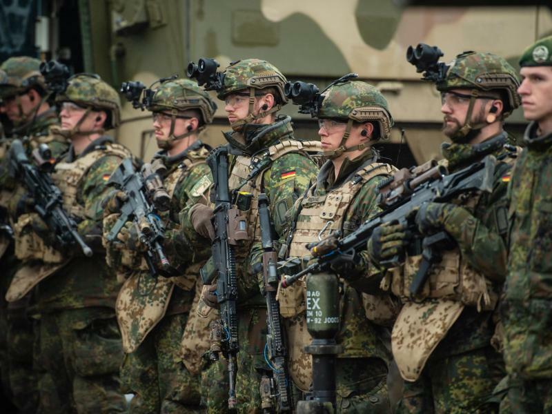 Soldaten der Bundeswehr - Foto: Philipp Schulze/Illustration