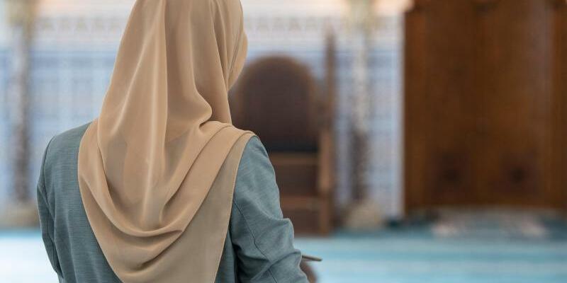 Muslima - Foto: Boris Roessler/Illustration