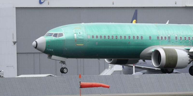 Boeing 737 MAX 8 Flugzeug bei Testflug - Foto: Ted S. Warren/AP/dpa