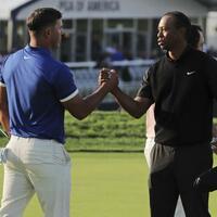 Koepka und Woods - Foto: Charles Krupa/AP