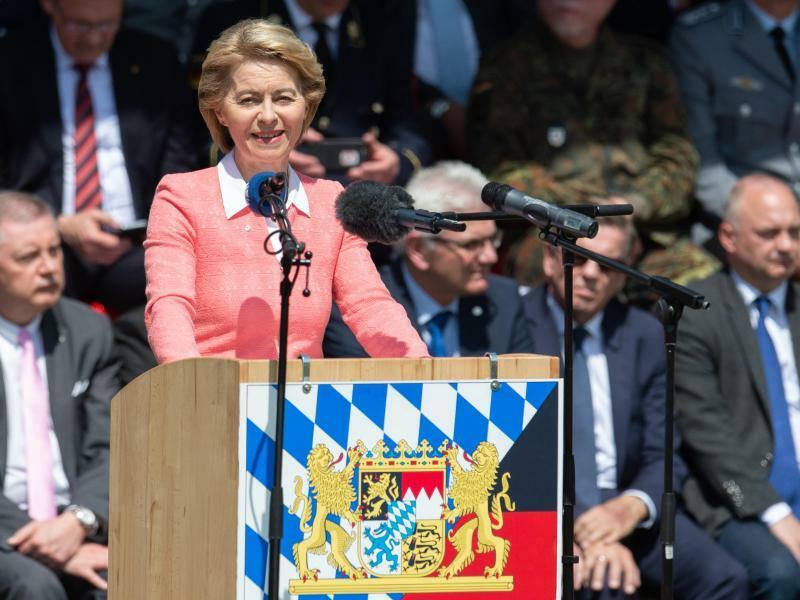 Verteidigungsministerin Ursula von der Leyen - Foto: Timm Schamberger
