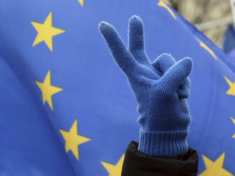 Europafahne - Foto: Alik Keplicz/AP/Archiv