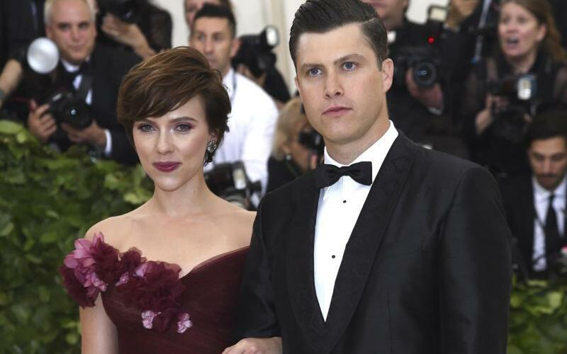 Scarlett Johansson und Colin Jost - Foto: Evan Agostini