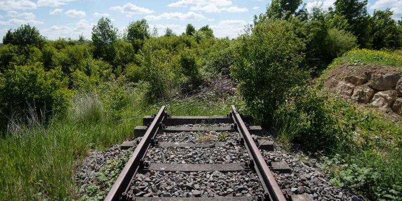 Stillgelegte Bahnstrecke - Foto: Marijan Murat