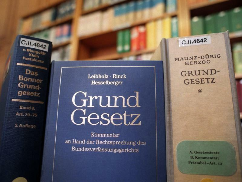Grundgesetz - Foto: Jens Kalaene
