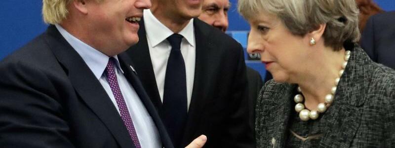 Theresa May und Boris Johnson - Foto: Matt Dunham/AP Pool/Archiv