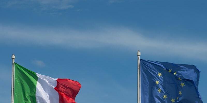 Flaggen - Foto: Marijan Murat