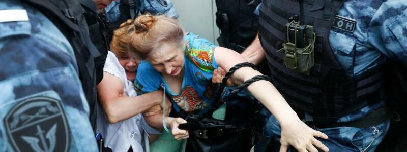 Proteste gegen Polizei-Willkür - Foto: Pavel Golovkin/AP