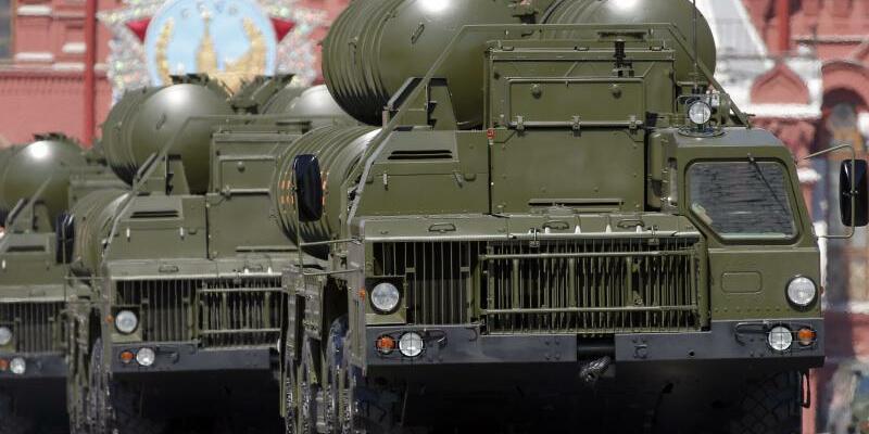 Flugabwehrsystem S-400 - Foto: Yuri Kochetkov/epa