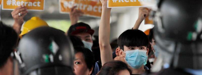 Umzingelt - Foto: Kin Cheung/AP