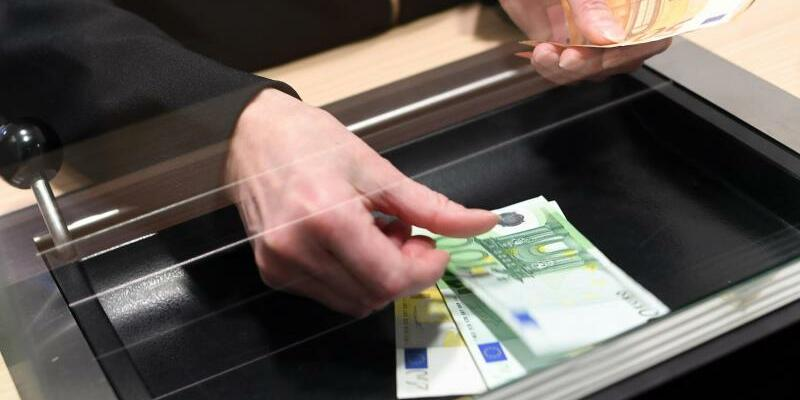 Urteil zu Bankgebühren für Schalterbuchungen - Foto: Angelika Warmuth