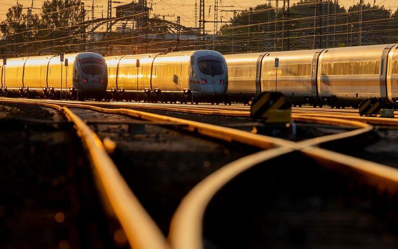 Züge der Bahn - Foto: Christoph Schmidt