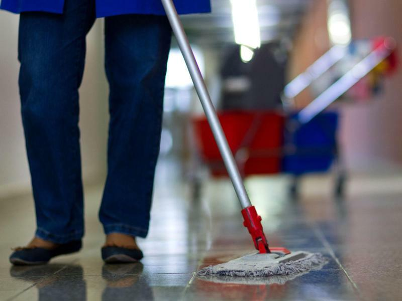 Reinigungskraft - Foto: Jens Büttner