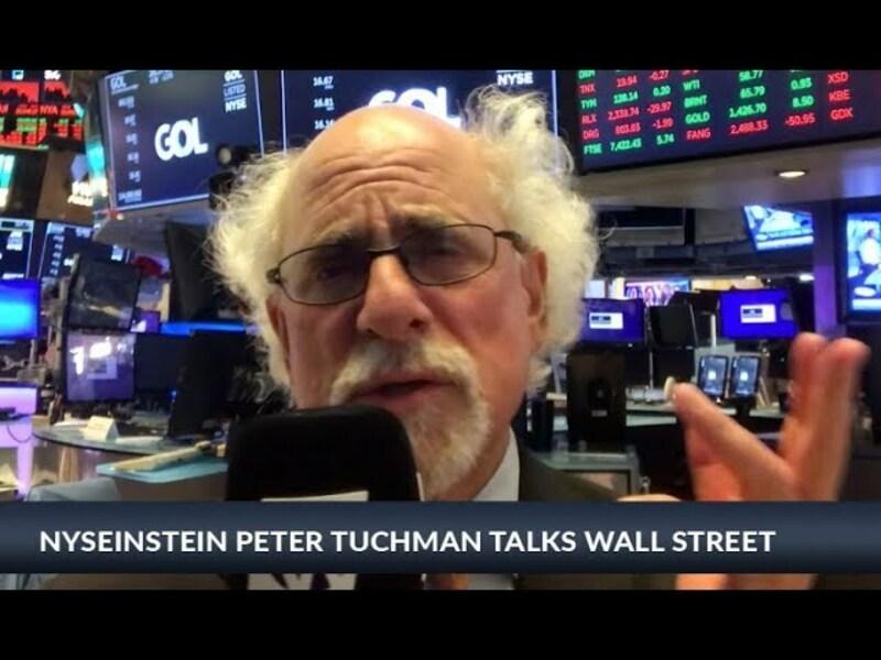 Zunächst sieht es nach einem wenig spannenden Tag aus, doch gegen Mittag beginnen die Kurse zu fallen. Dabei ziehen einige Werte den Markt nach unten. Um welche Firmen es geht erklärt NYSEinstein Peter Tuchman in seinem Blog von der Wall Street. - Foto: anlegerverlag.de