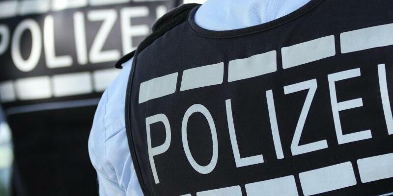 Polizisten - Foto: Silas Stein/Symbol