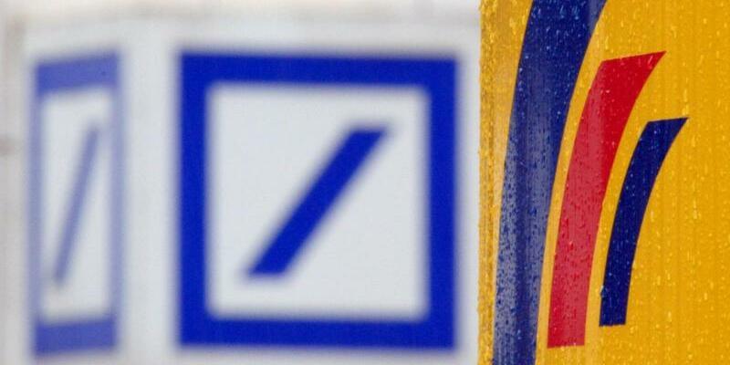Deutsche Bank und Postbank - Foto: Federico Gambarini