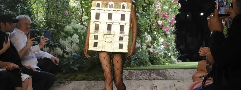 Haute-Couture-Schauen in Paris - Dior - Foto: Michel Euler