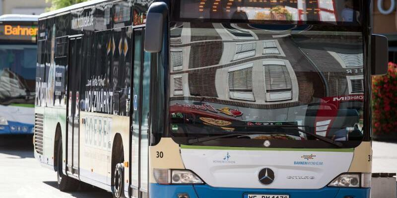 Bus in Monheim - Foto: Federico Gambarini