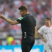 Bundesliga-Referee - Foto: Bernd Thissen