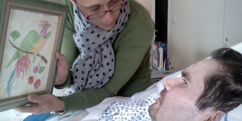 Vincent Lambert - Foto: Ein Foto aus dem Jahr 2014: Vincent Lambert (r.) und seine Mutter im Krankenhaus. Foto:Photopqr/L'union De Reims/MAXPPP/epa