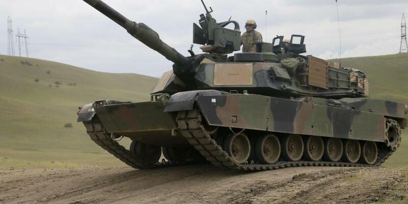 M1A2 Abrams - Foto: Zurab Kurtsikidze/EPA