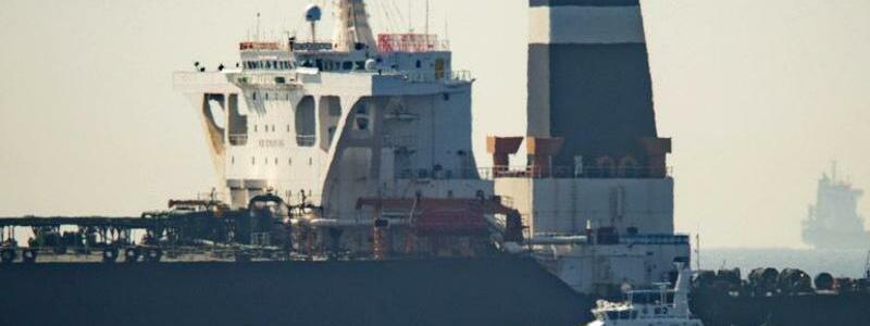 Gibraltar stoppt Supertanker - Foto: Marcos Moreno/AP/