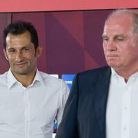 Andere Verpflichtungen - Foto: Bleiben während der US-Reise des Teams daheim: Sportdirektor Hasan Salihamidzic (l)und Präsident Uli Hoeneß. Foto:Peter Kneffel