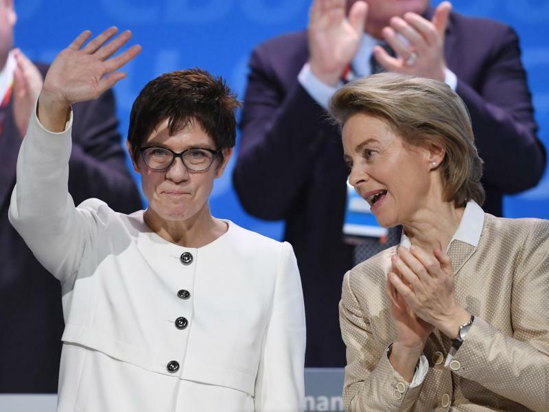 Annegret Kramp-Karrenbauer und Ursula von der Leyen - Foto: Ralf Hirschberger/Archiv