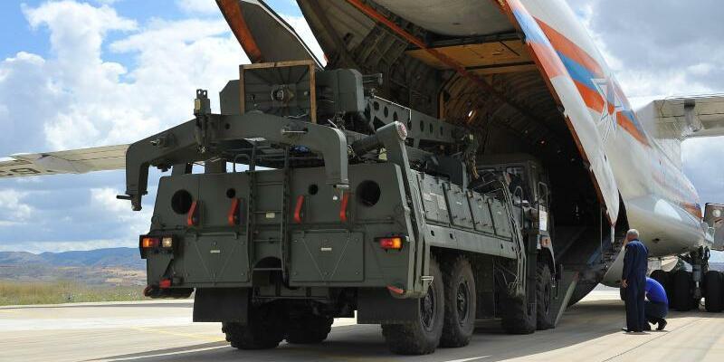 Ankunft S-400 Raketenabwehrsystem in der Türkei - Foto: Turkish Defense Ministry/XinHua
