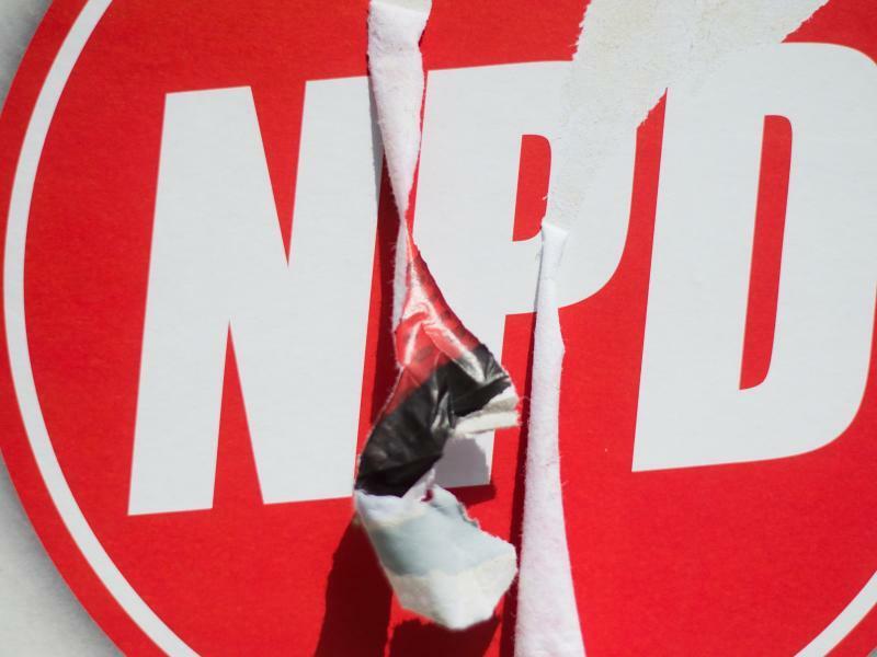Kein Staatsgeld für den Staatsfeind NPD - Foto: Julian Stratenschulte