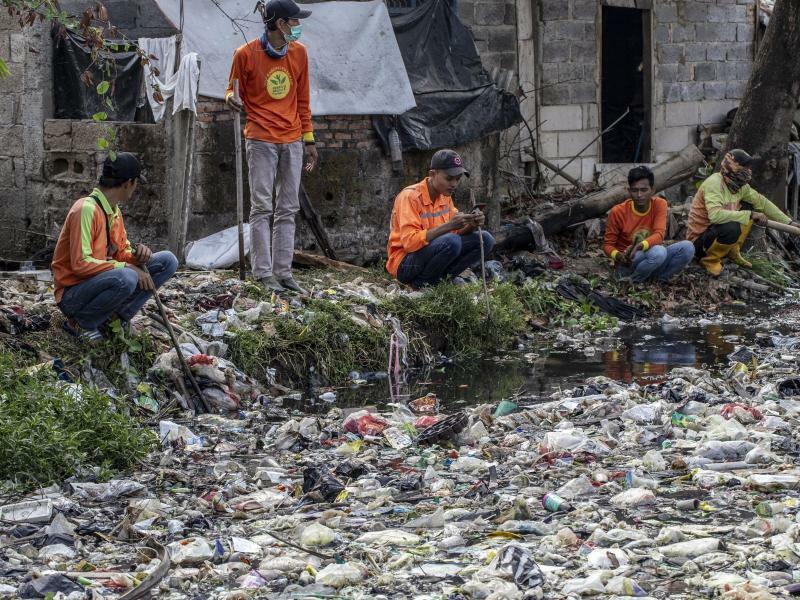 Müllschwemme - Foto: Donal Husni/ZUMA Wire
