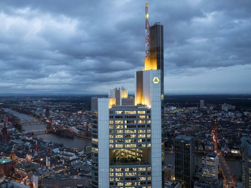 Commerzbank-Zentrale in Frankfurt - Foto: Arne Dedert