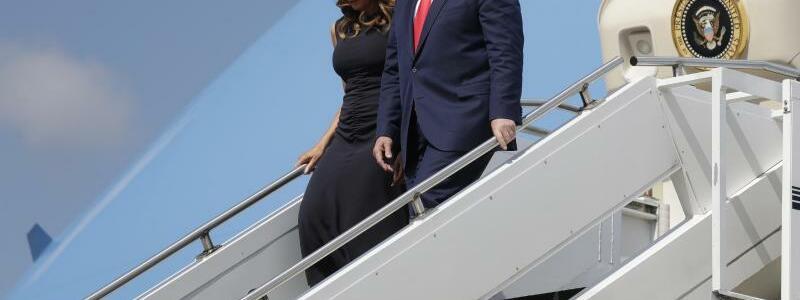 US-Präsident Trump besucht Tatorte - Foto: Evan Vucci/AP