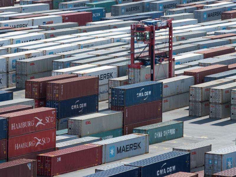Containerumschlag - Foto: Ingo Wagner