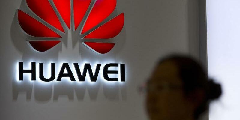 Huawei - Foto: Mark Schiefelbein/AP/dpa