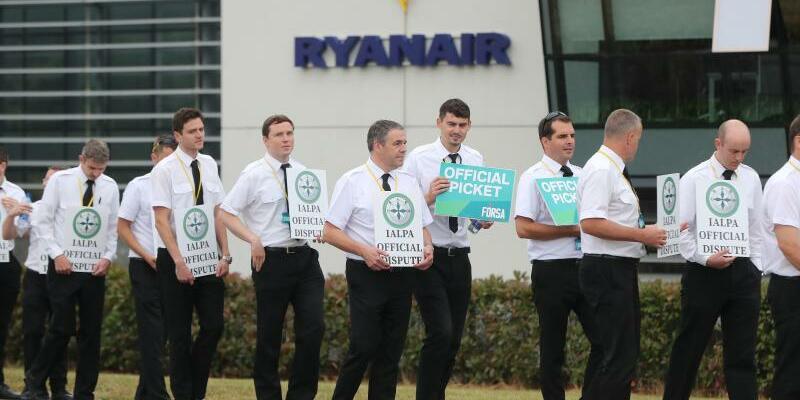 Ryanair - Piloten - Foto: Niall Carson/PA Wire/dpa