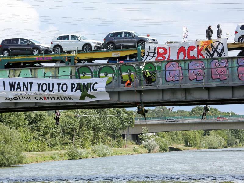 Autozug gestoppt - Foto: Bodo Marks