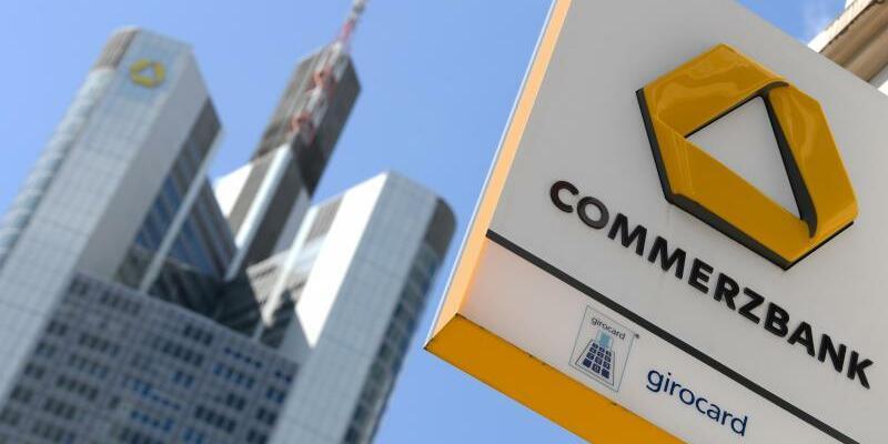 Commerzbank - Foto: Ermittler haben Geschäftsräume der Commerzbank in Frankfurt durchsucht. Foto:Arne Dedert