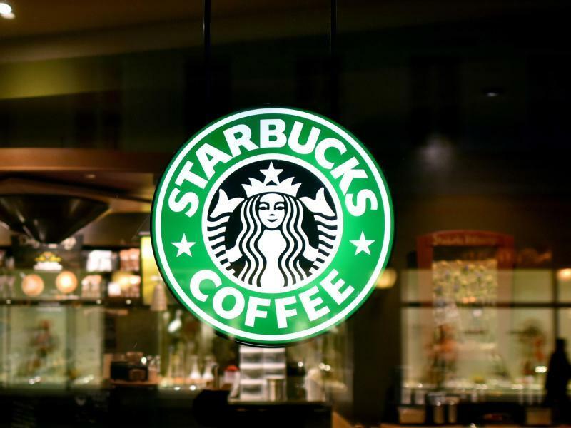 Starbucks - Foto: Ralf Hirschberger/zb