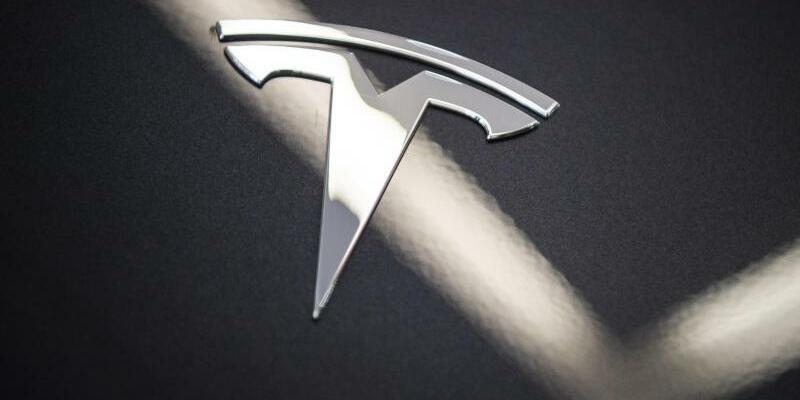 Tesla mit neuem Auslieferungsrekord - Foto: Christophe Gateau/dpa