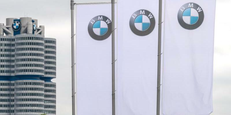 BMW - Foto: Sina Schuldt/dpa