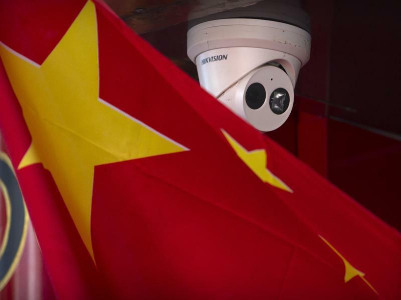 Chinesische Flagge - Foto: Mark Schiefelbein/AP/dpa