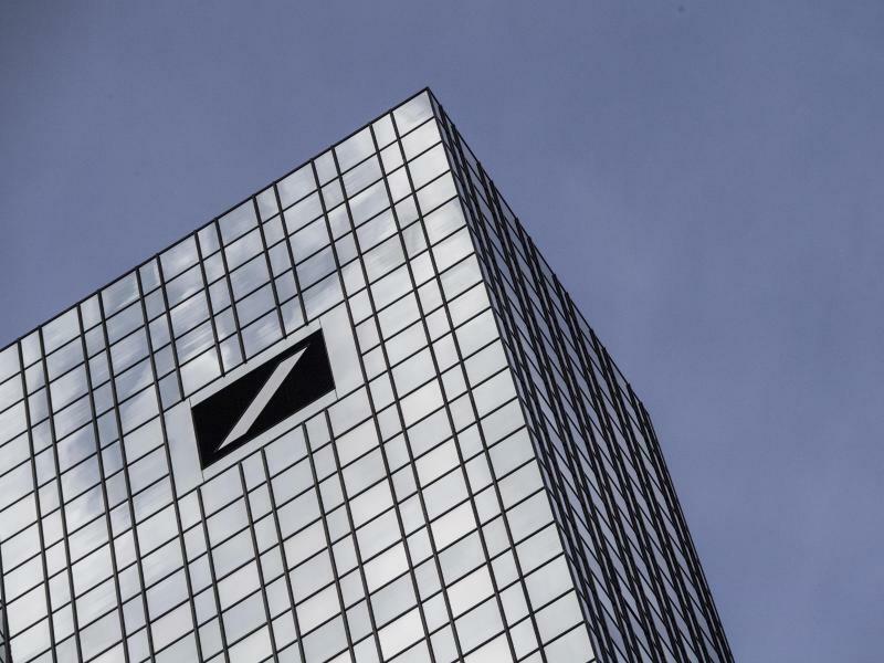 Deutsche Bank - Foto: Boris Roessler/dpa
