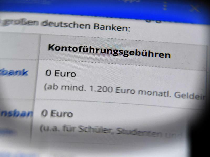 Kontoführungsgebühren - Foto: Jens Kalaene/dpa-Zentralbild/dpa