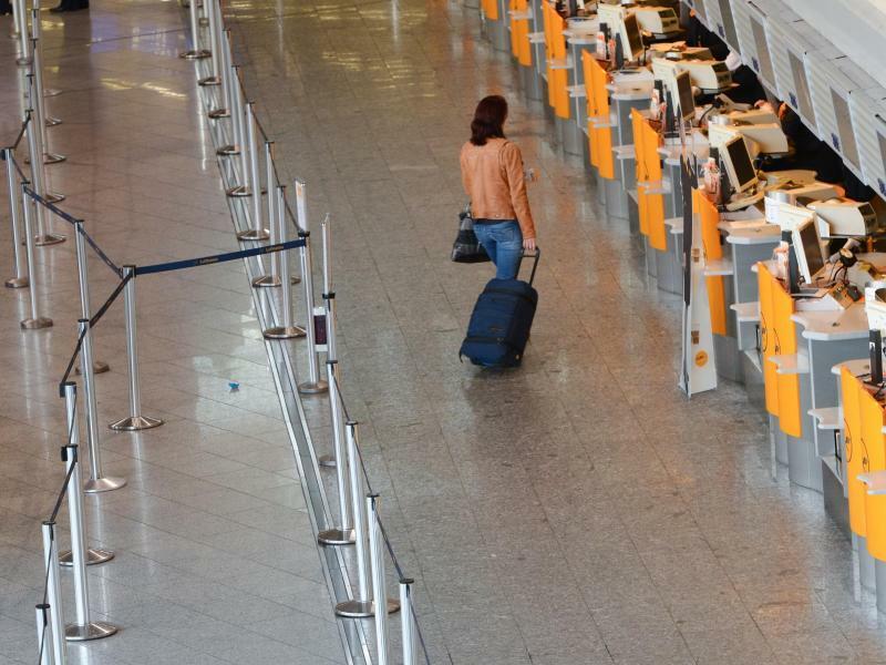 Flughafen Frankfurt - Foto: Arne Dedert/dpa/Archiv